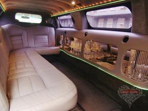 Прокат Лимузин Lincoln Town Car на свадьбу 0