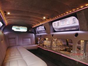 Прокат Лимузин Lincoln Town Car на свадьбу 1