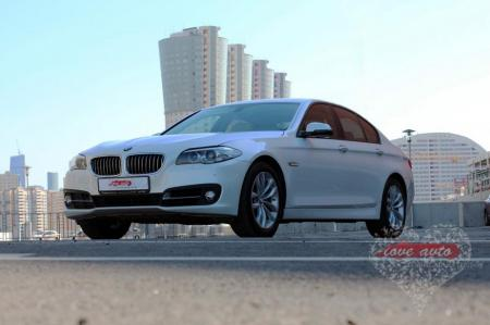 Прокат BMW 5 на свадьбу