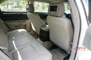 Прокат Chrysler 300C Rolls-Royce Style на свадьбу 2