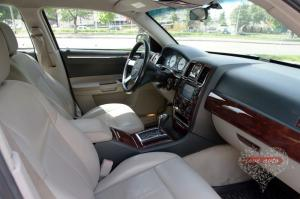 Прокат Chrysler 300C Rolls-Royce Style на свадьбу 3