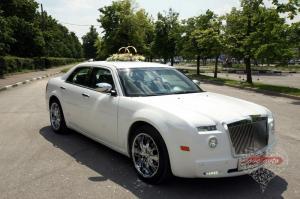 Прокат Chrysler 300C Rolls-Royce Style на свадьбу 4